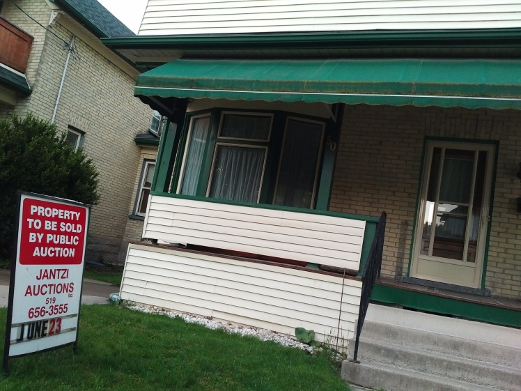 house for sale by auction in midtown kw